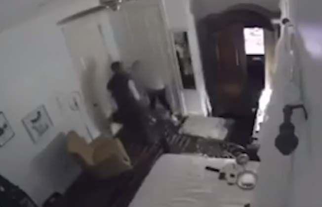 El video de la joven muestra muestra la golpiza que le propinó su padre.
