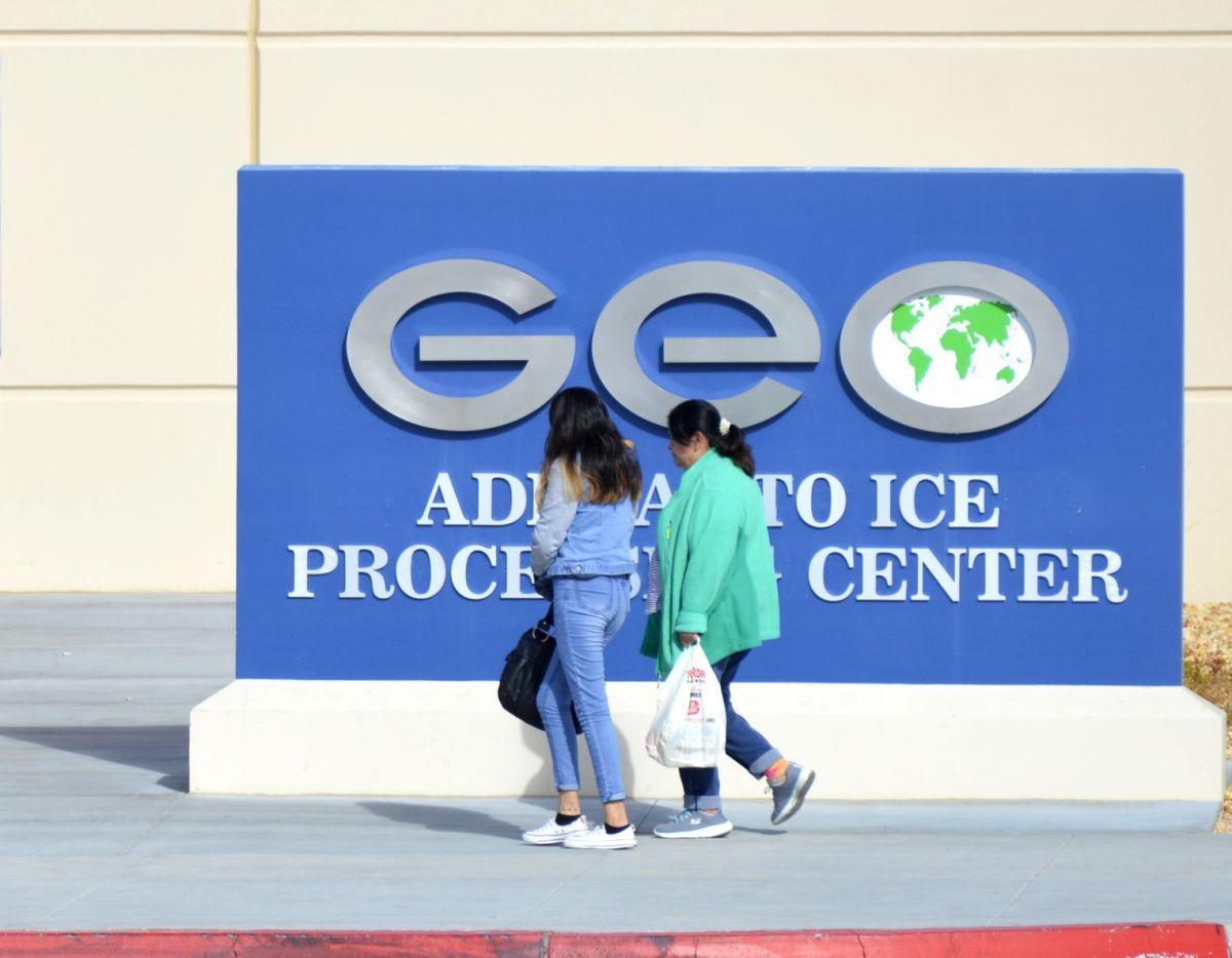 Los centros de detención de inmigrantes continuarán operando en California. (Alejandro Cano)