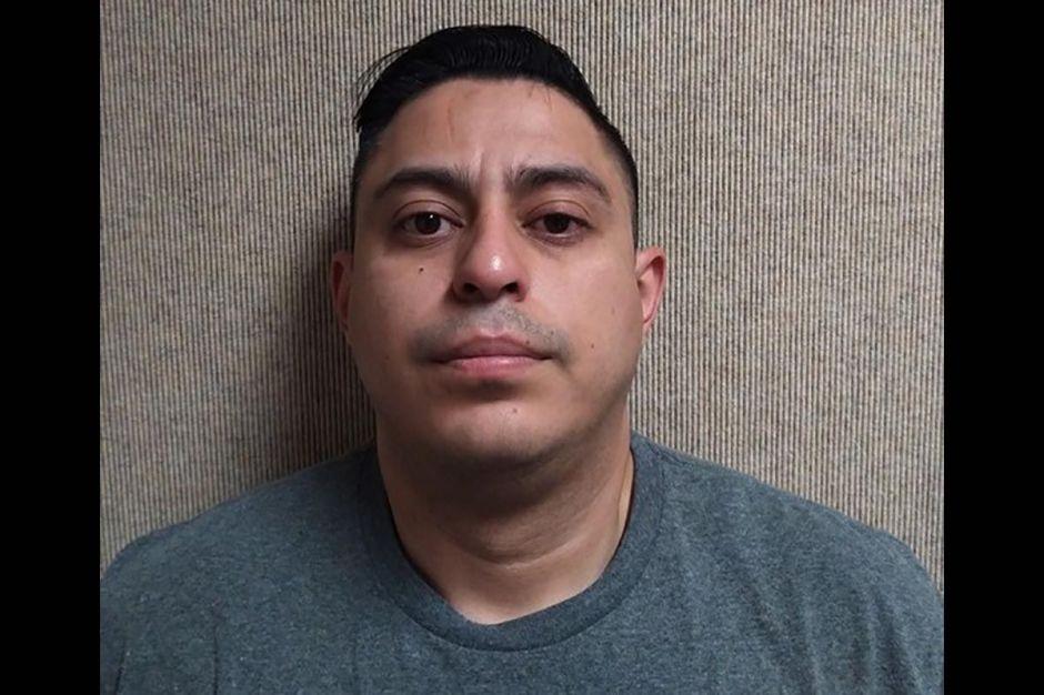 Arrestan a conductor de Uber por presuntamente violar a pasajera borracha en California