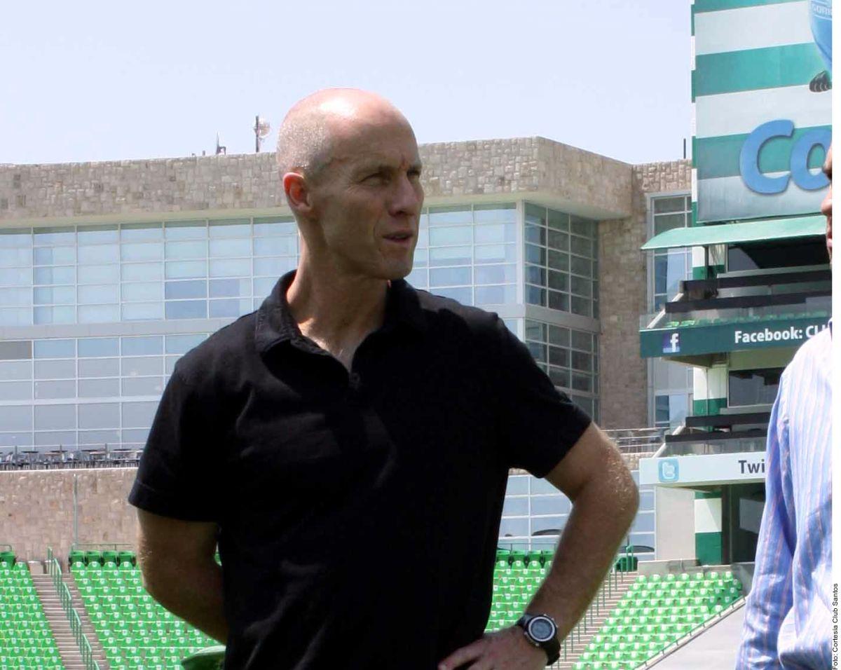 El estratega del LAFC está más que satisfecho con el trabajo realizado por Carlos Vela.