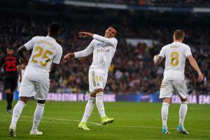 Otra vez el VAR: el Real Madrid ganó gracias a Casemiro y con la polémica de siempre