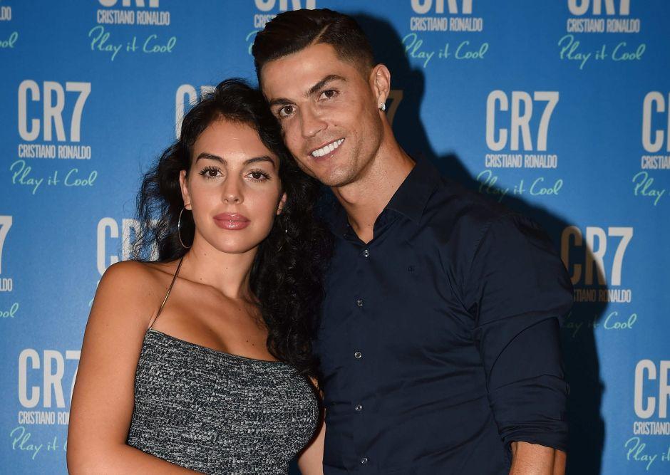 Cristiano Ronaldo sale de paseo con Georgina Rodríguez mientras aumentan los rumores de embarazo