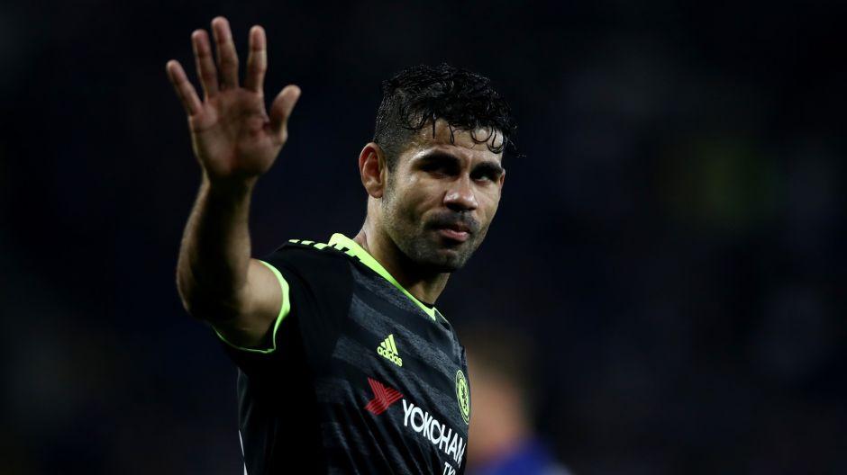 ¡Se pasa! Diego Costa noquea al masajista del Chelsea