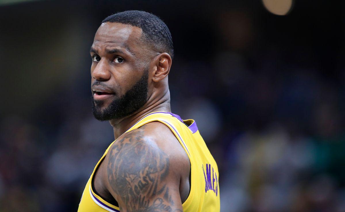 LeBron James se tuvo que morder la lengua: jugará aunque no haya fans debido al coronavirus