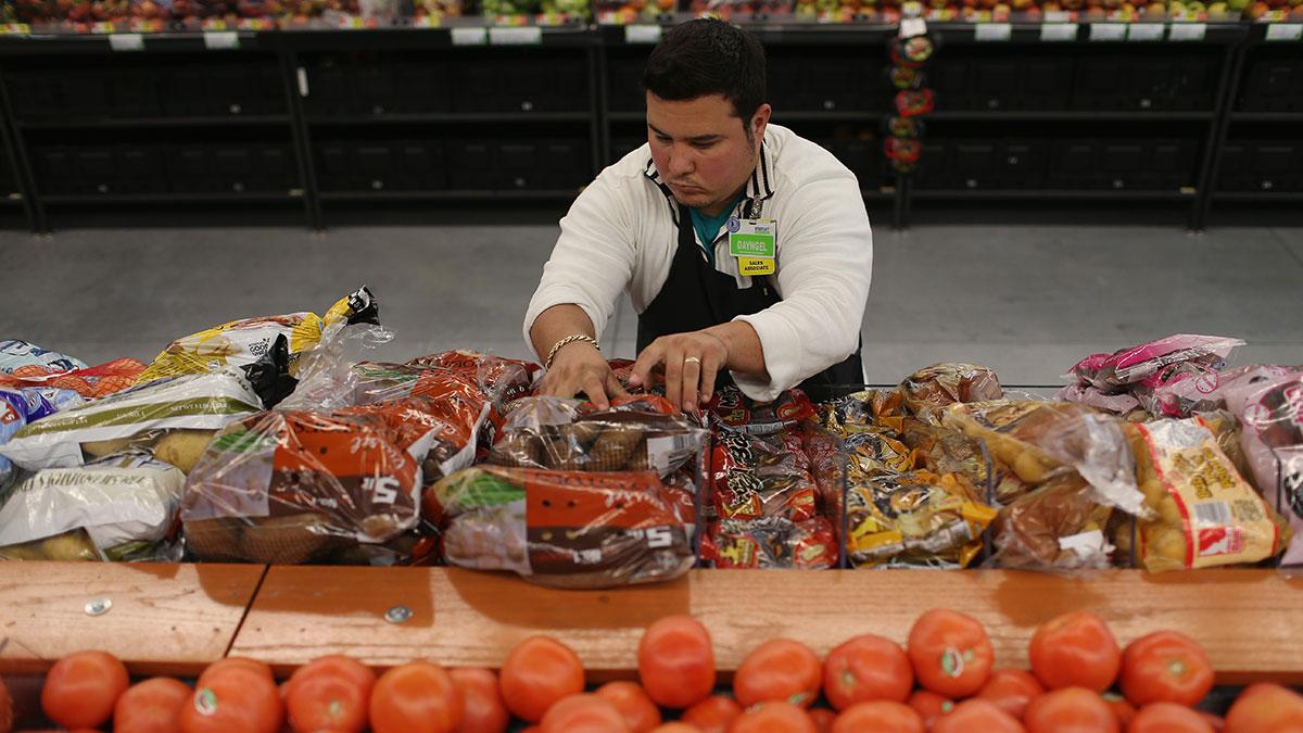 Coronavirus: lista de tiendas que ofrecen horarios especiales de compras para personas mayores en SoCal