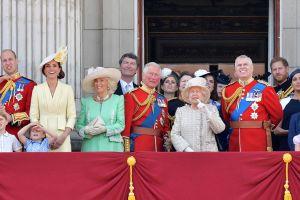 ¿De dónde obtiene su dinero la Familia Real de Inglaterra?
