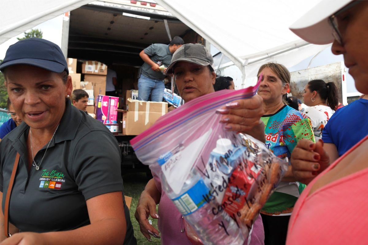 Despiden a Director de Emergencias de PR tras descubrir almacén con suministros del huracán María