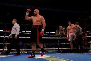 ¡Indignante! Boxeador ruso noqueó a su sparring, mostró total indiferencia y todavía lo presumió en redes