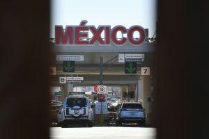 Migrantes de todo el mundo intentan cruzar sin papeles la frontera de México-EEUU