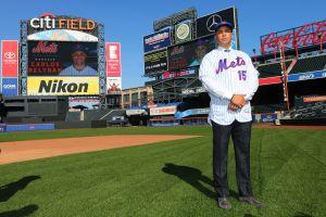 Ya cayó Alex Cora y el siguiente debe ser Carlos Beltrán; los Mets tienen la palabra
