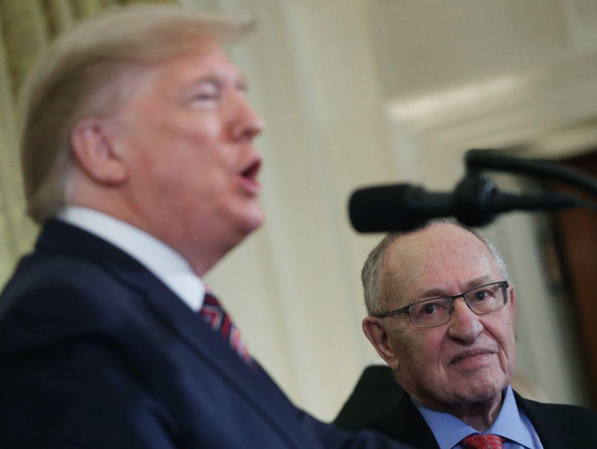 Abogado que Trump eligió para 'impeachment' se desmarca de la estrategia de la Casa Blanca