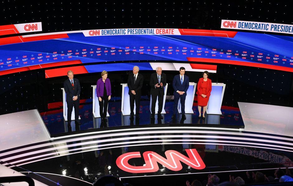 Sigue aquí los momentos más importantes del debate demócrata