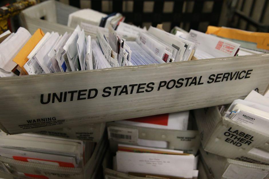 """Requisito de """"correo seguro y firma"""" del USCIS pondría en aprietos a muchos inmigrantes"""