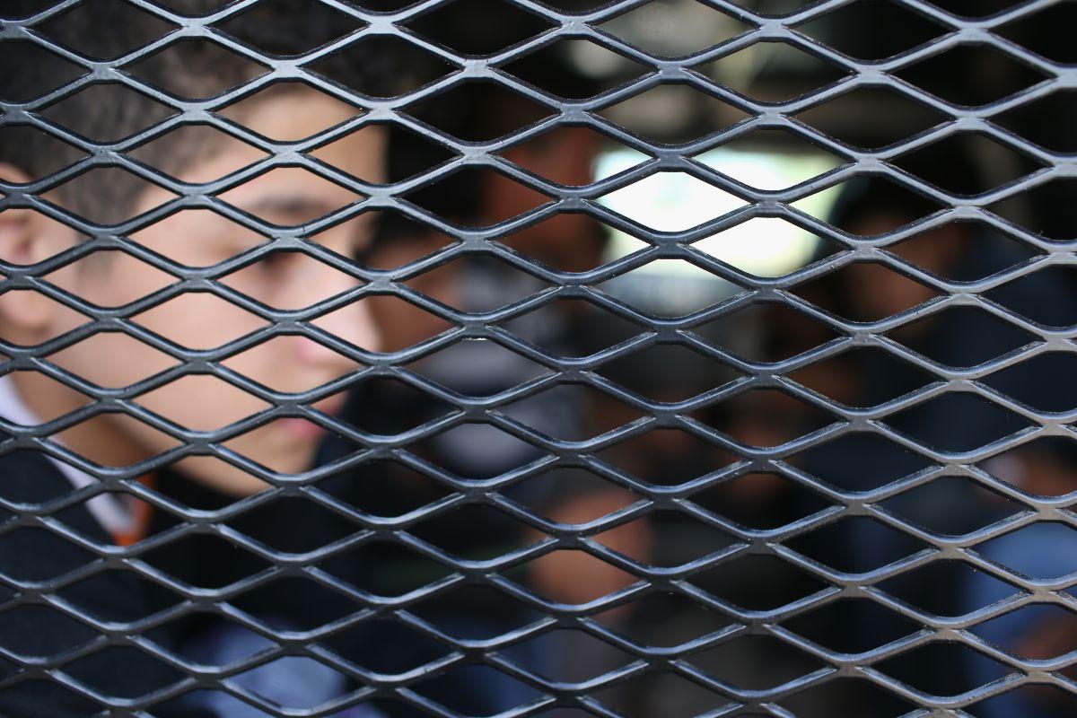 El menor se encuentra arrestado en un centro de detención en Dilley, Texas.