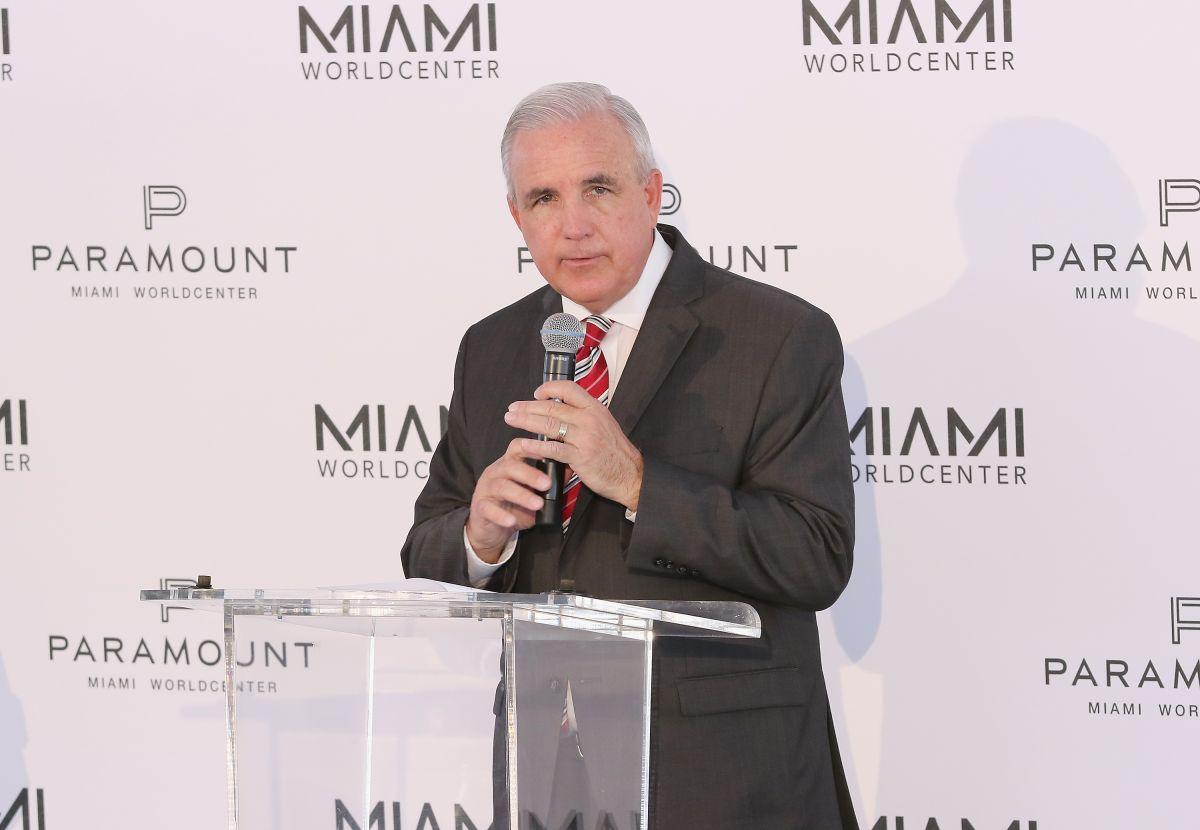 El alcalde de Miami-Dade anuncia que se presentará para ocupar un puesto en el Congreso