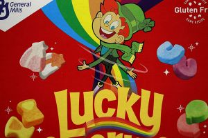 Lanzan helado con sabor al cereal Lucky Charms