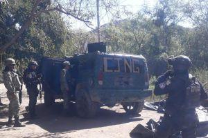 Decomisan al CJNG una Hummer blindada tras batalla entre narcos que dejó al menos un muerto