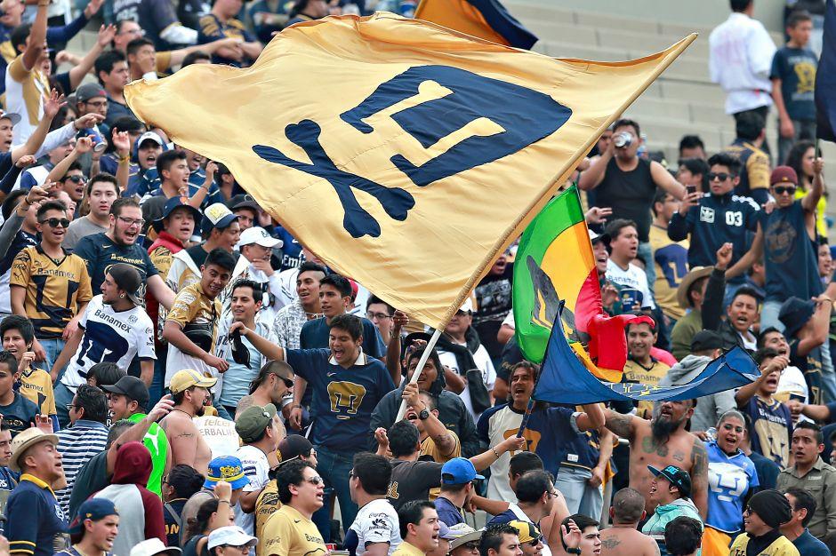 rima esfuerzo Opuesto  22 años de 'La Rebe'l! Pumas celebró con victoria frente a ...
