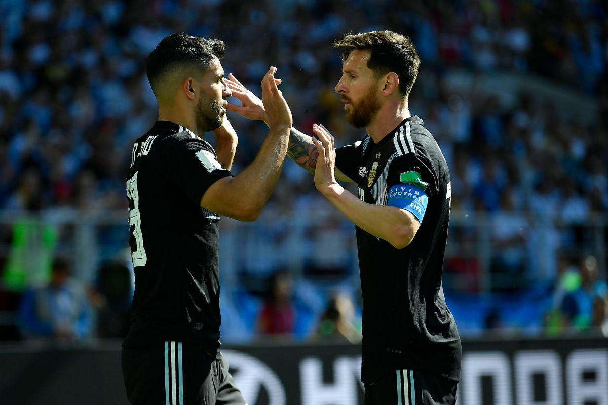 Agüero y Messi podrían jugar en el mismo club.