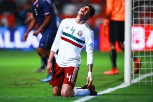 Edson Álvarez no juega en el Ajax, según Frank de Boer, por dos sencillas razones
