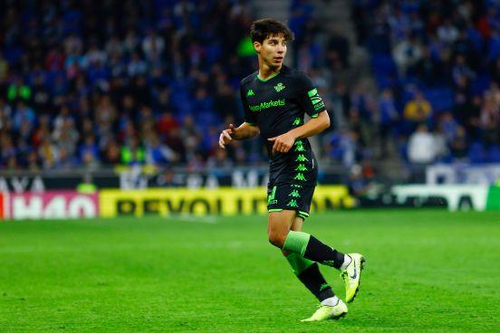 Diego Láinez tendrá una nueva oportunidad este año para destacar en el Viejo Continente.