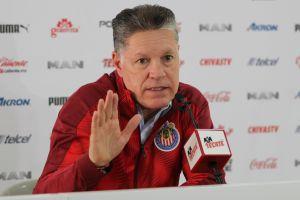 """Peláez asegura su permanencia en Chivas, pero aclara que su renuncia """"siempre está en la mesa"""""""