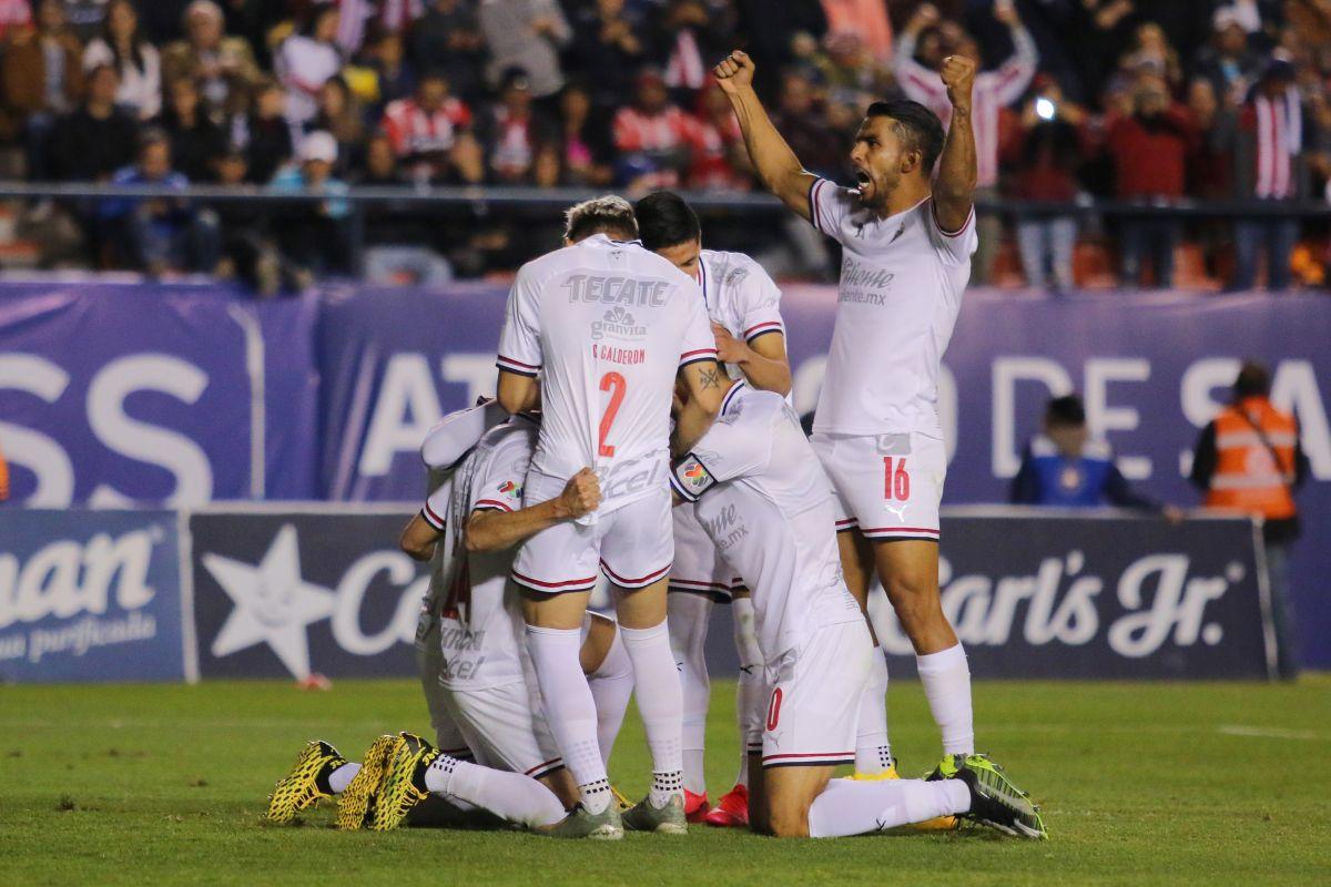 Oribe Peralta marcó su primer gol del torneo.