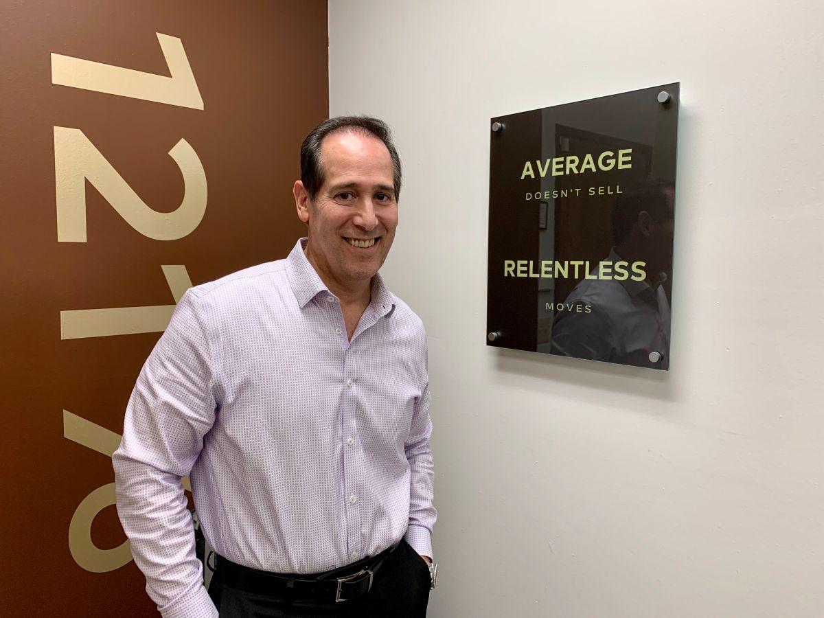 Jorge Campos: de vendedor de casa en casa a empresario inmobiliario