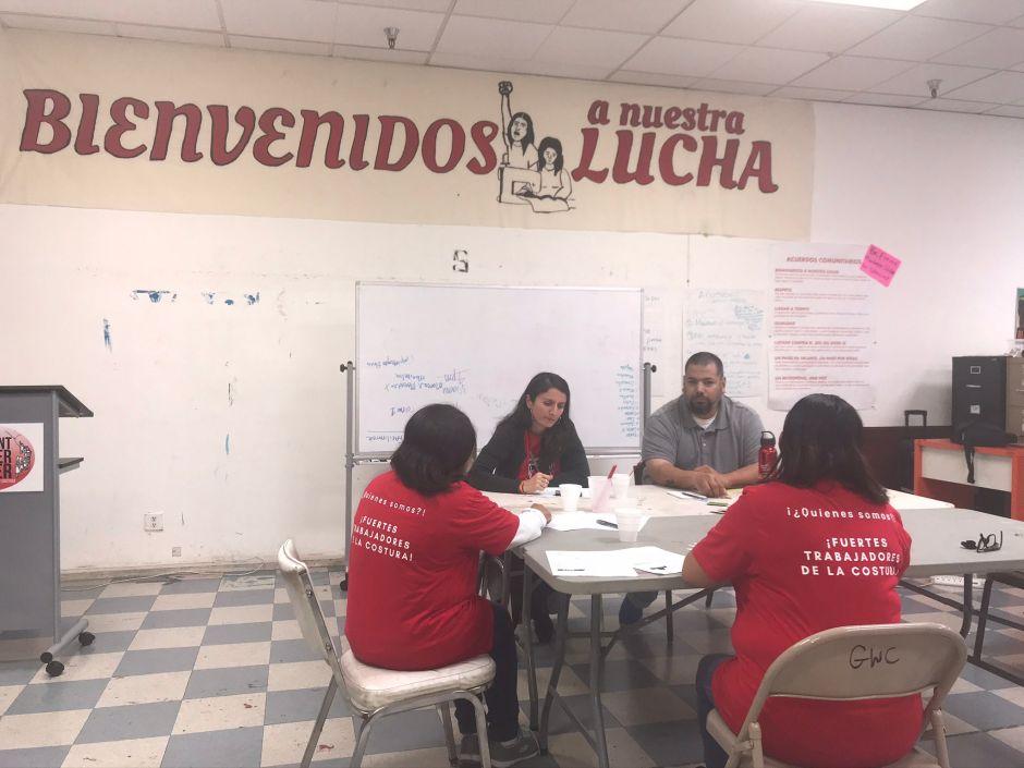 Trabajadoresdecosturaimploranjusticiaen el centro de Los Áangeles