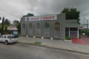 Arrestan a líderes de una iglesia en Los Ángeles por fraude y abuso de feligreses inmigrantes