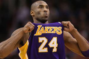 Pagan cifra millonaria en subasta por la tarjeta de novato de Kobe Bryant