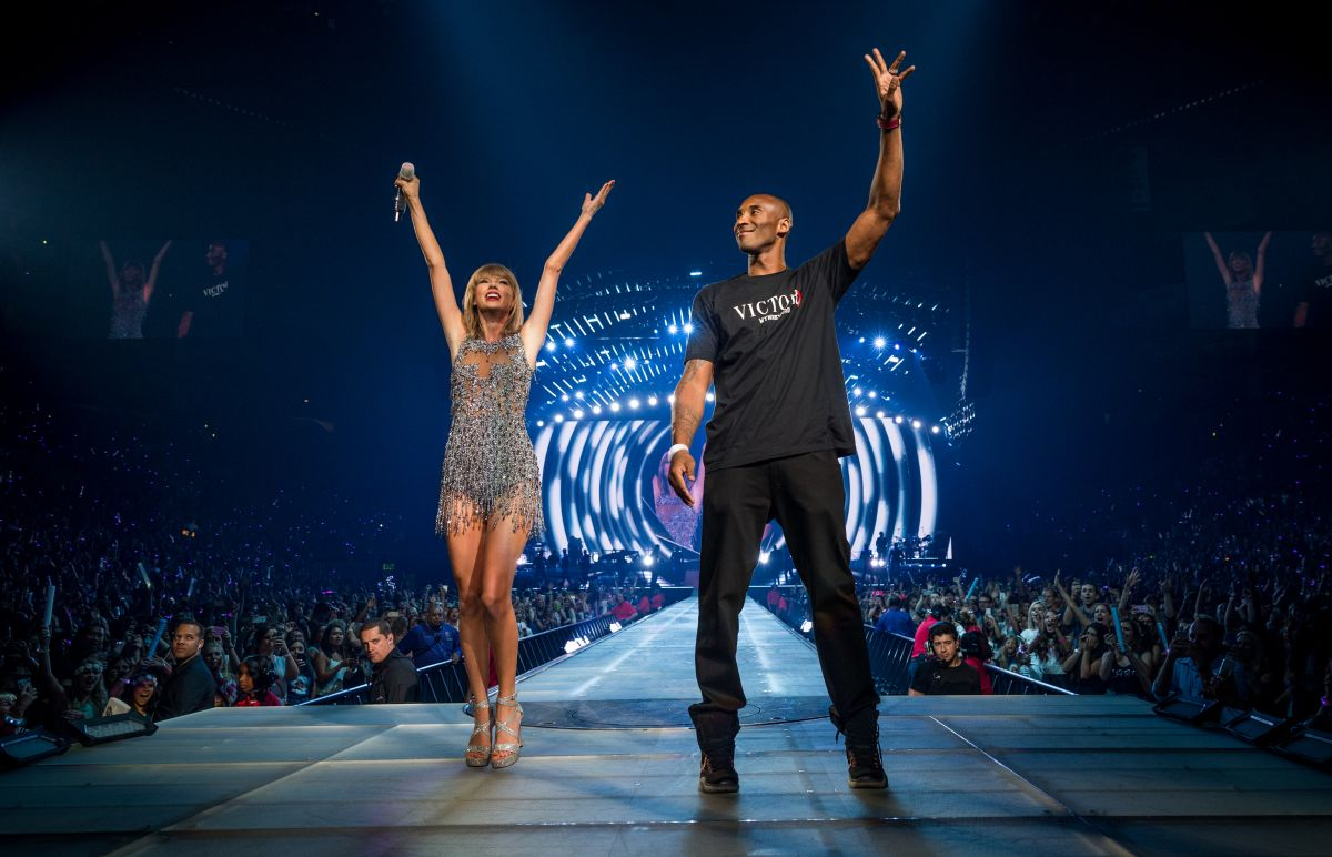 El día en que Kobe Bryant sorprendió a Taylor Swift en pleno concierto y la hizo reina del Staples Center