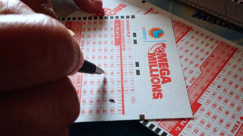 Hombre de Portland lava por accidente billete de lotería ganador de $8.4 millones