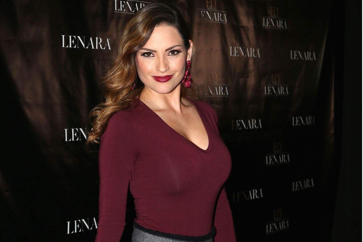 Michelle Galván, estrella de Univision, muestra su avanzada pancita de embarazo