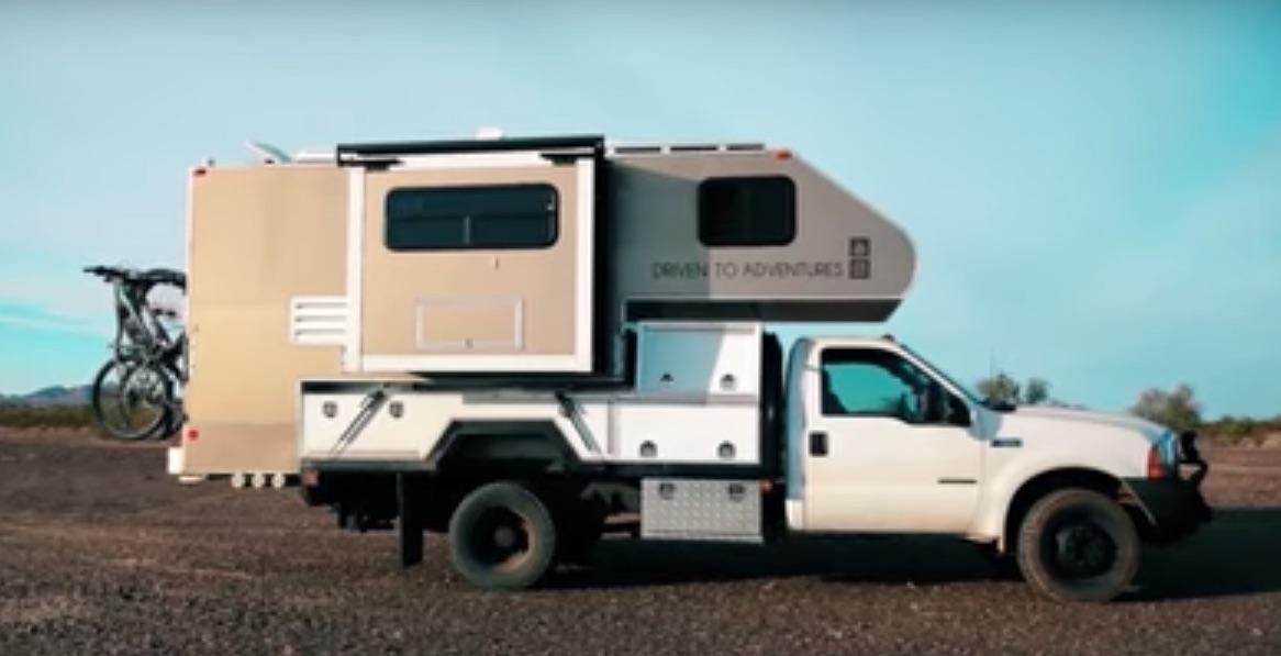 La camioneta que la pareja diseño y construyo