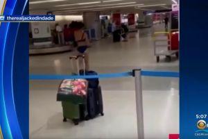 Una mujer se pasea completamente desnuda por el aeropuerto de Miami