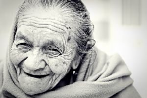 Consumo de té reduce depresión en adultos mayores