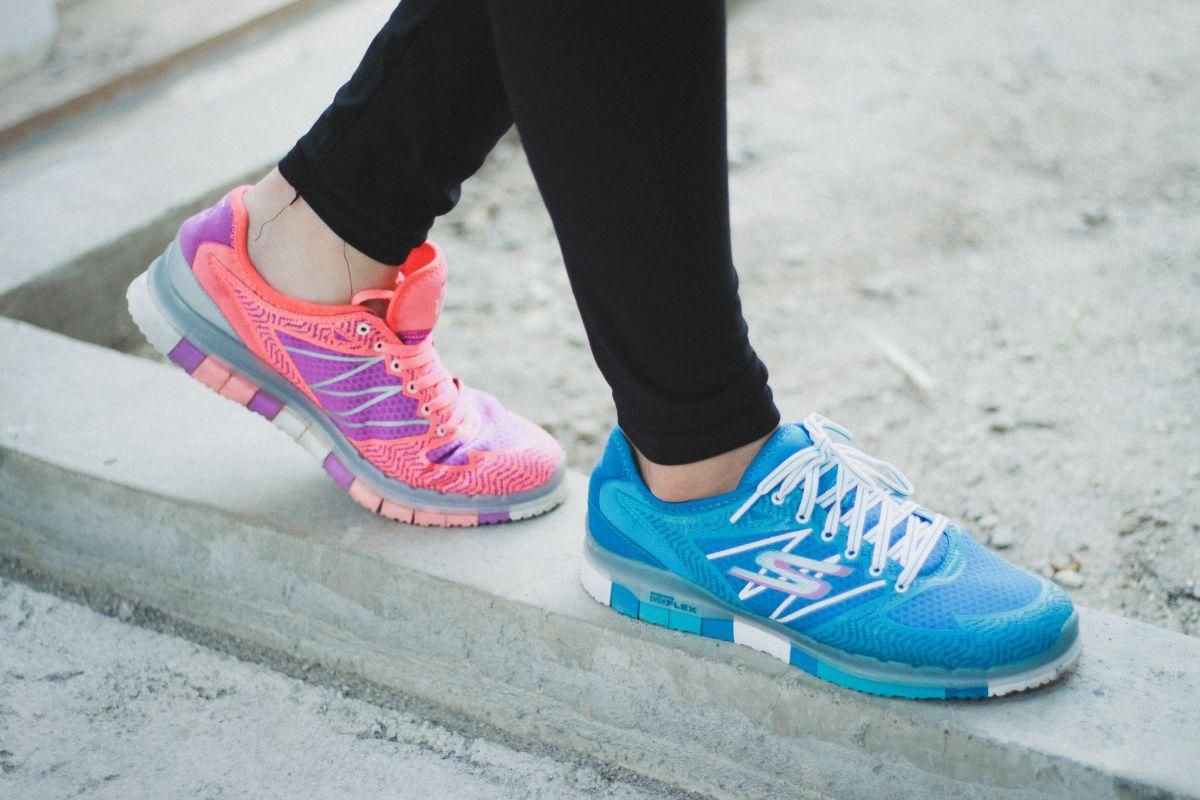 Illinois Puñalada Desgastado  Los 5 mejores estilos de zapatos de mujer Skechers para evitar dolores de  pies e hinchazón si estás de pie todo el día | La Opinión