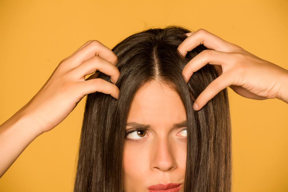 4 productos para una limpieza profunda del cuero cabelludo graso