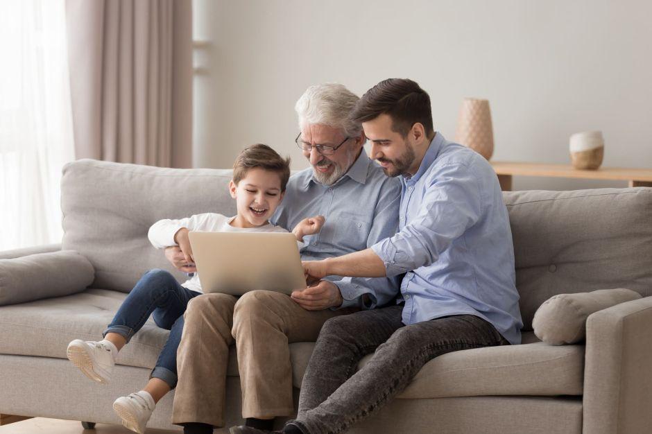 ¿Ayudas a tu familia en el extranjero financieramente? Ve si calificas para deducciones en tus impuestos