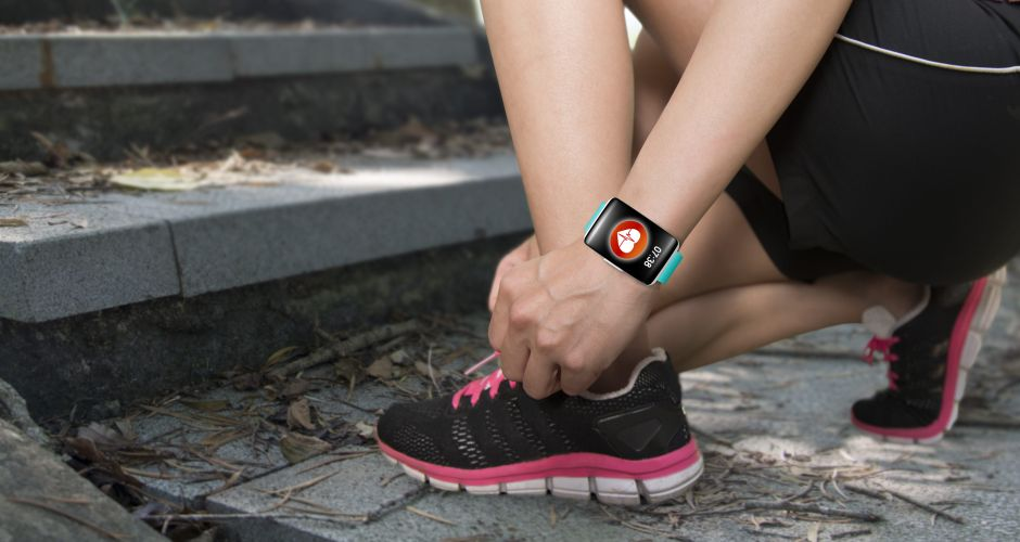 5 relojes con monitor cardiaco para mujeres por menos de $50