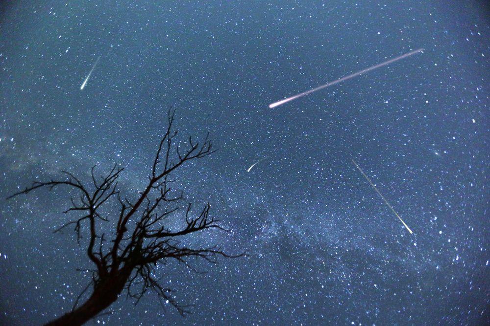 Por lo general, los meteoritos se desintegran cuando entran en contacto con la atmósfera terrestre.