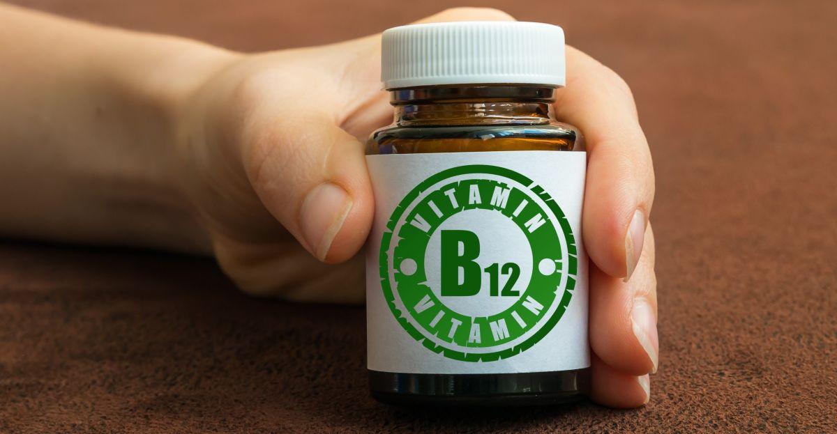 ¿Que es la vitmaina B12 y cuales son los beneficios que le brinda al cuerpo?