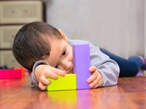 Descubre los síntomas para detectar el autismo