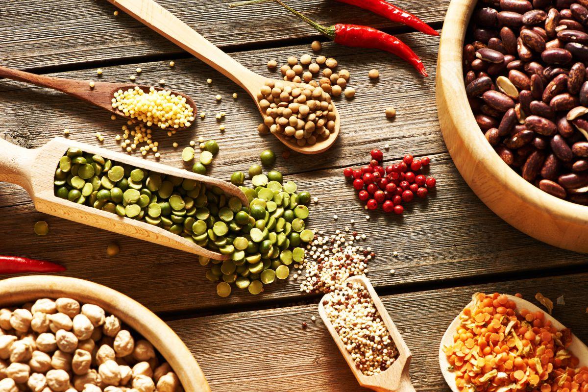 ¿Cuáles son los alimentos ricos en fitoestrógenos para incluir en tu dieta?