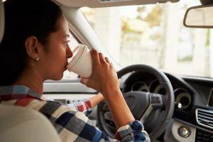 ¿El café ayuda a prevenir los accidentes de tránsito?