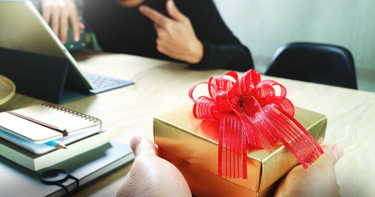10 opciones de regalos de San Valentín para tus compañeros de trabajo por menos de $20
