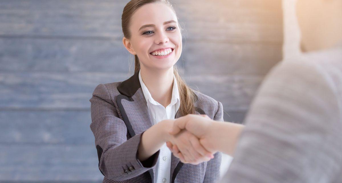 Las mejores piezas de ropa para mujeres usar en una entrevista de trabajo