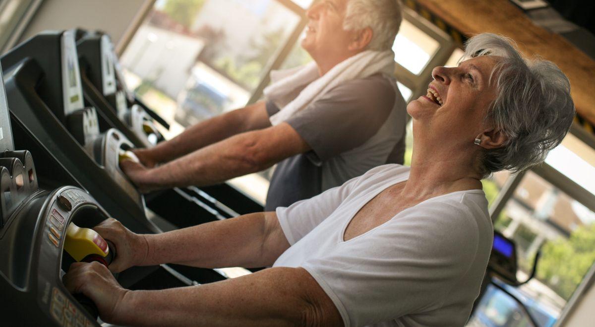 5 caminadoras a bajo costo para ejercitar la movilidad de los adultos mayores en la propia casa