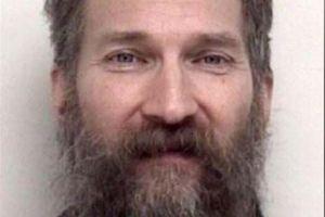 Se despertaron encadenados en un sótano en Michigan y huyeron; semanas después reportaron asesinato caníbal